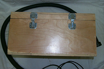 Outer box - back view (hinges).